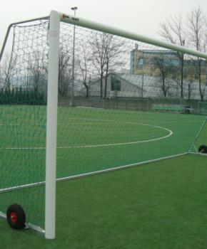 Jalgpalliväravad 7,32x2,44m alu. ratastega