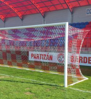 Jalgpalliväravad 7,32x2,44m alu. hülssidega
