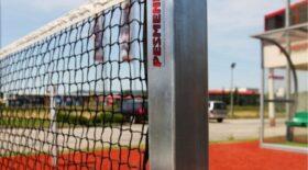 steel-tennis-posts-672x372